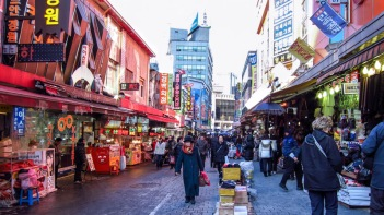 namdaemun-market-via-The-Seoul-Guide