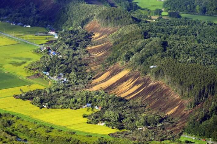 japan-earthquake-234a-0