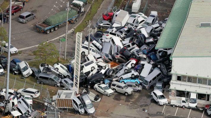 japan-typhoon-jebi-02-gty-jc-180905_hpMain_16x9_1600.jpg